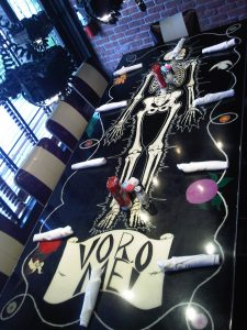 Skeleton Table set